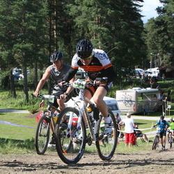Cycling 90 km - Bjarne Johansson (6804), Fredrik Björkén (8420)