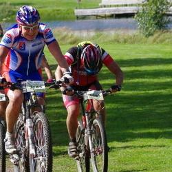 Cycling 90 km - Börje Lindberg (3585), Dan Trum (4008)