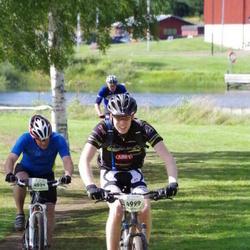 Cycling 90 km - Bo Liss (4029), Fredrik Söderlund (4999)