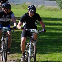 Cycling 90 km - Anders Hammar (4682), Carl-David Johansson (5967)