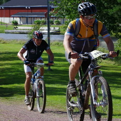 Cycling 90 km - Kim Johnsen (5404), Christer Ekelund (7366)