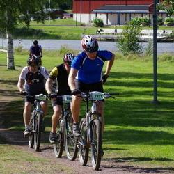 Cycling 90 km - Henrik Kongsholm (6122), Tomas Bohlin (7371)
