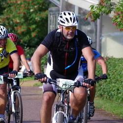 Cycling 90 km - Henrik Martinsson (7919), Stefan Bergström (8039)