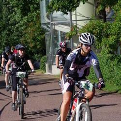 Cycling 90 km - Anna Petterson (7116), Ellinor Bjurlemyr (8234)