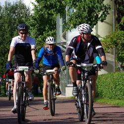 Cycling 90 km - Lars Svensson (8009), Henrik Johansson (10697), Mikael Karlström (10855)