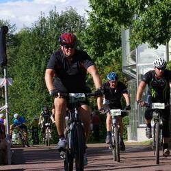 Cycling 90 km - Henrik Lagerberg (10687), Jan Askenbom (10981)