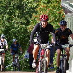 Cycling 90 km - Henrik Eliasson (12735), Niklas Skogh (14537)