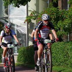 Cycling 90 km - Sari Vienola (12131), Christer Hedberg (14593)