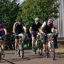 Cycling 90 km - Danijel Palcic (11609), Mats Berglund (12175)