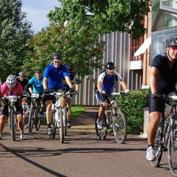 Cycling 90 km - Daniel Bichis (9046), Caroline Näslund (9076), Stefan Ramström (14221)