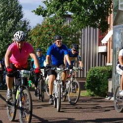 Cycling 90 km - Johan Eriksson (8280), Daniel Bichis (9046), Caroline Näslund (9076)