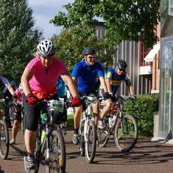 Cycling 90 km - Johan Eriksson (8280), Caroline Näslund (9076)