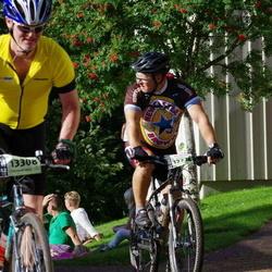 Cycling 90 km - Bradley Axford (12238), Anders Alminger (13308)