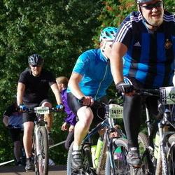 Cycling 90 km - Mikael Kjellberg (12074), Henrik Ärlehag (12371)