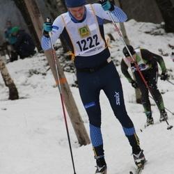 Skiing 90 km - Henrik Wallin (1222)