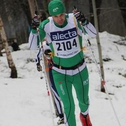 Skiing 90 km - Henrik Danielsson (2104)