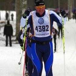 Skiing 90 km - Erik Mattson (4382)