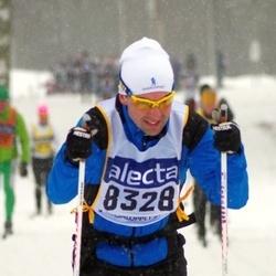 Skiing 90 km - Fredrik Gropman (8328)