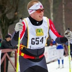 Skiing 90 km - Daniel Karlsson (6541)