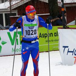 Skiing 90 km - Carl Olander (1020)