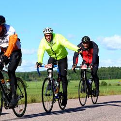 Vätternrundan - Dennis Haberl (9044), Steffen Porthun (9045), Simon Åström (9653)