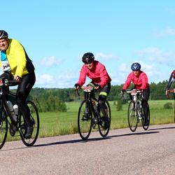 Vätternrundan - David Stenstad (3684), Zara Olsson (3685), Emma Holmgren (3686), Hans Matsman (5400)