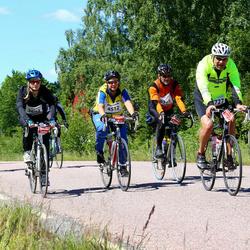 Vätternrundan - Anna Arnell (3694), Erika Pulkkinen (4512), Dick Dilén (9346), Anders Hedin (15727)