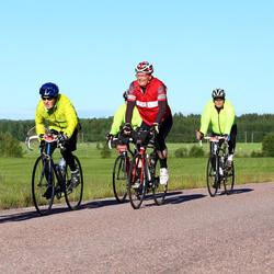 Vätternrundan - Arne Johansson (218), Gunnar Andersson (2287), Pirjo Loiskekoski (7365)