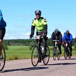 Vätternrundan - Katarina Larsson (6171), Ulf Bexell (6700), Fredrik Wahlgren (6822), Edvin Kalmaru (8293)