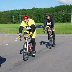 Vätternrundan - Martin Sjöström (3252), David Larsson (3253)