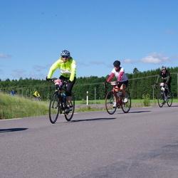 Vätternrundan - Annette Duty (503), Dennis Blom (4603), Johanna Persdotter Edsäker (6747)