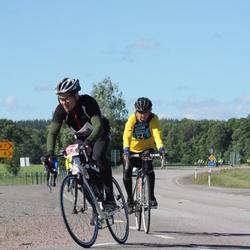 Vätternrundan - Aina Johansson (139), Dennis Blom (4603)