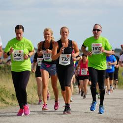 Varbergsloppet - Josephine Lindborg (246), Angelica Östlingh (732), Anna Lenberg (922)